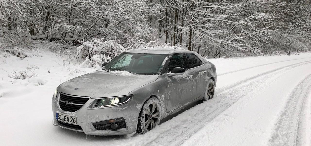 ساب والثلوج. صور صعب الأول!