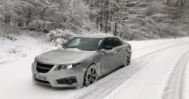 Saab & snow. First Saab pictures!