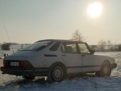 Saab clásico en el invierno
