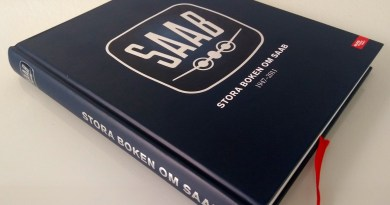 Um livro muito grosso da Saab