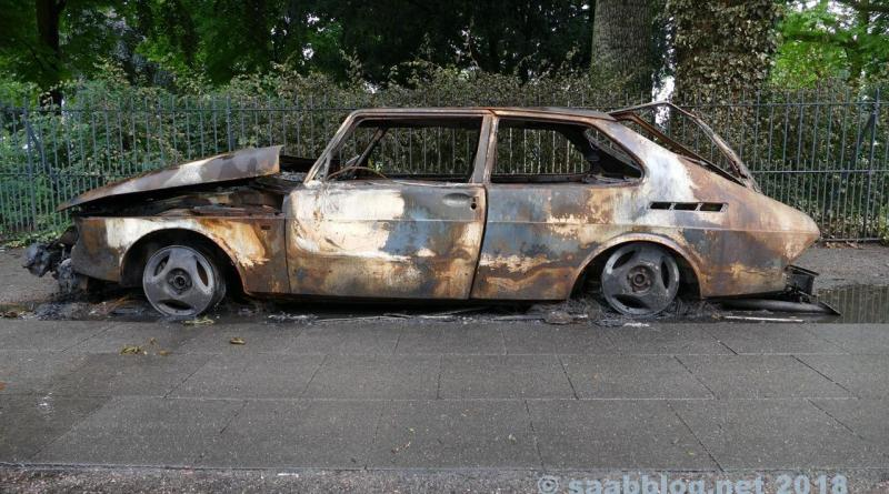 Saab 900, burned down during the G20 summit in Hamburg