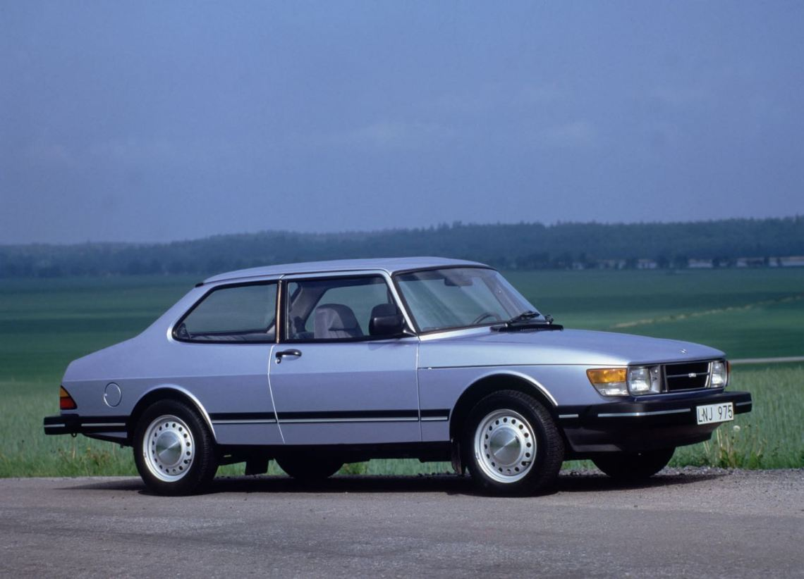 Saab 90. A compromise born of necessity