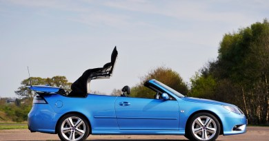 Het is mei. Wat is beter dan een Saab open te hebben?