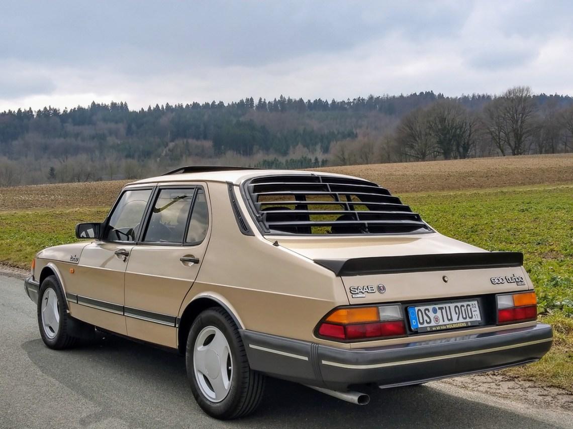 Ein seltener Vertreter seiner Gattung. 900 Turbo Sedan