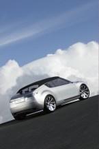 Ein Gegenentwurf zu den Blechdach-Cabriolets von Volvo und BMW