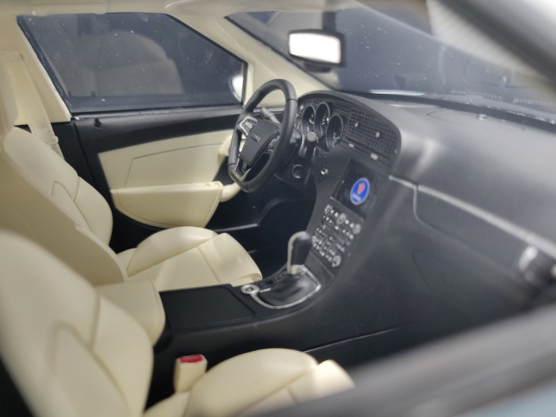 Beautiful interior, navigation from MY 2011