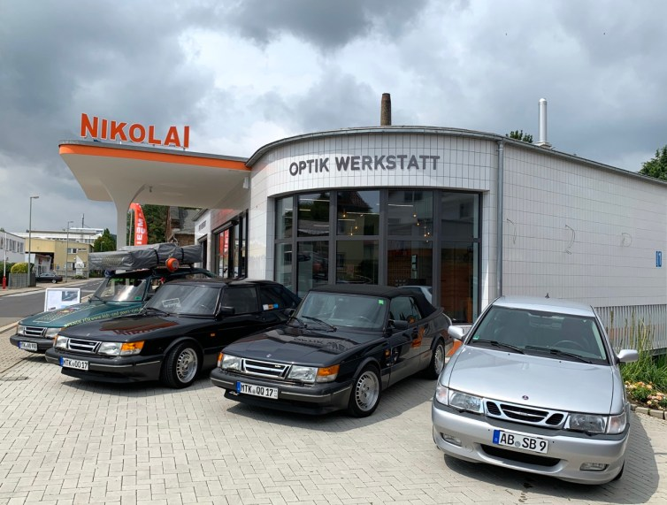 The optics workshop Nikolai is always a meeting place for Saab fans