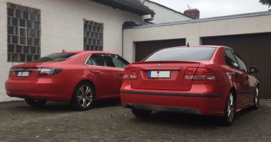 Twee rode Saabs. Dat is goed!