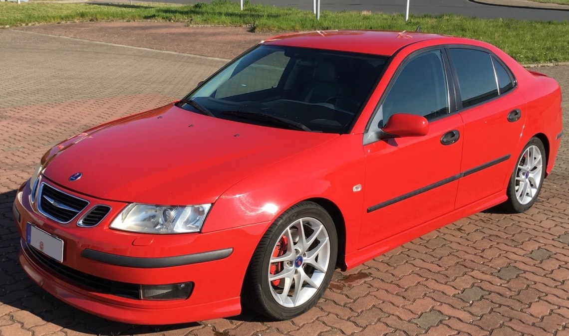 Saab 9-3 Aero in Laser Red