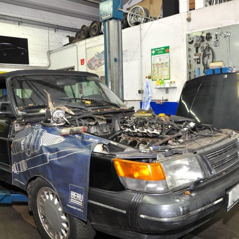 Saab 900 Cabriolet in officina
