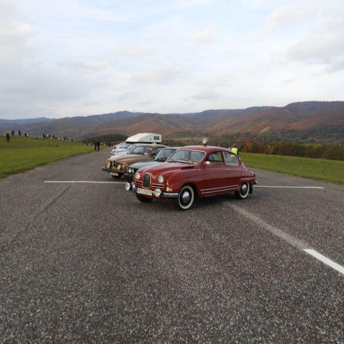 Saab classics on the airfield Dlzin