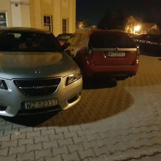 Sista parkeringsplats bredvid Saabvoyage