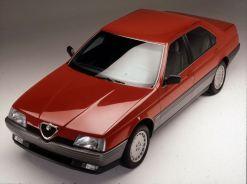 Alfa 164. Parentes da Saab, é claro