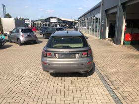A Saab recebe manutenção e aprovação