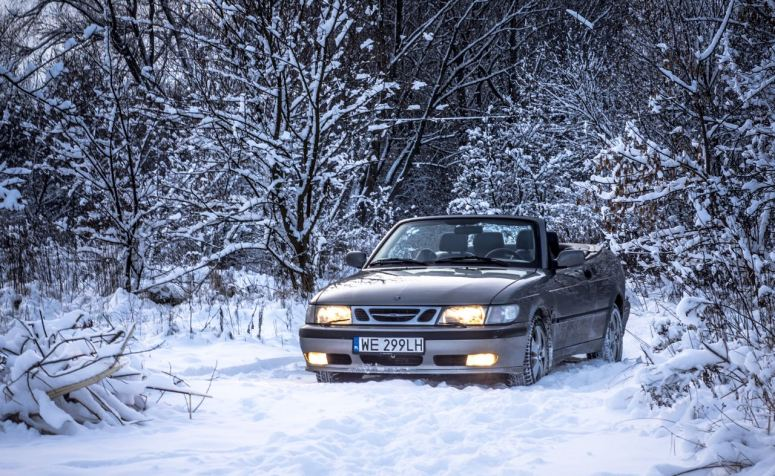 Snow? Yes! Drive open? Yes! This is how Waldemar drives through winter in Poland. Brilliant!