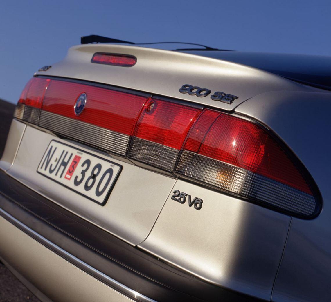 Saab 900 II Een zescilinder in de middenklasse