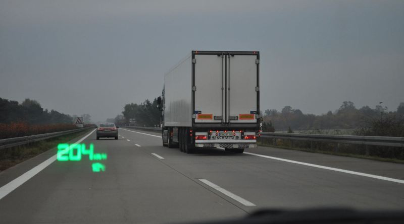 Should there be a general speed limit on German motorways?