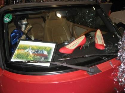 Os sapatos, eles poderiam pertencer a Greta.