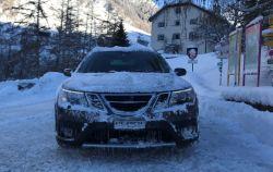 Mais 9-3x na neve. Criação apropriada da Saab por Simon na Engadina.