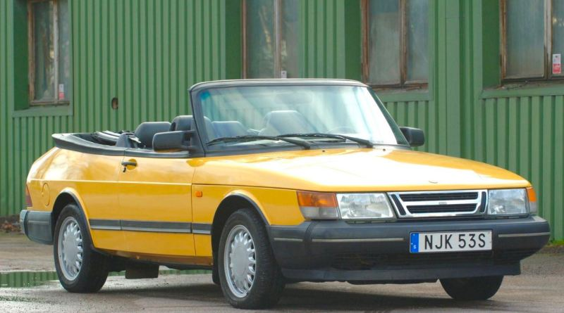 Saab 900S in Monte Carlo yellow