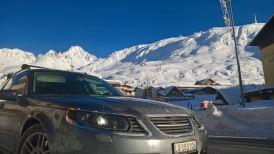 Arlberg, solsken och Saab. En underbar bakgrund. Bild av Ferdy.