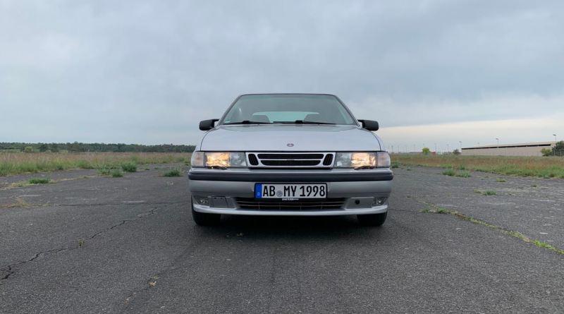 Ammaccature e altro. Domande di bellezza con Saab 9000.