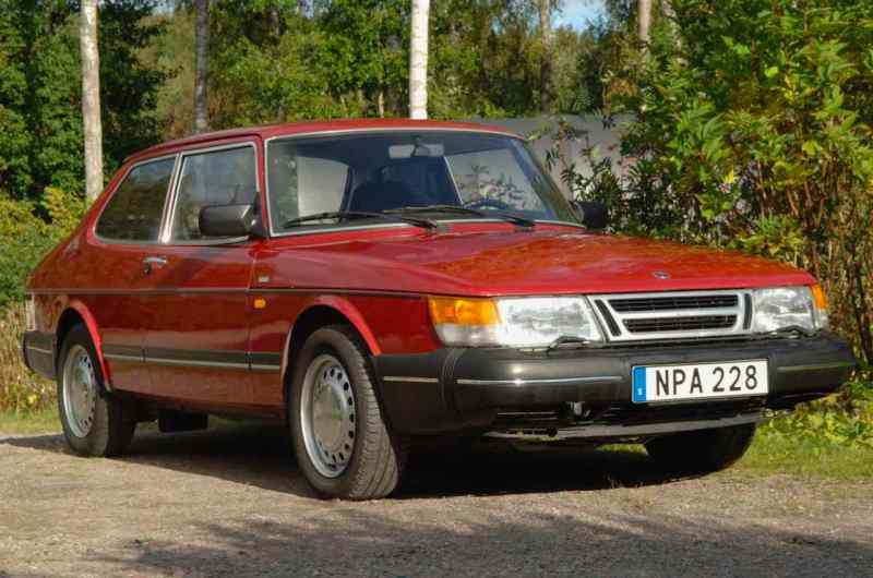 Saab 900c: il modello entry-level