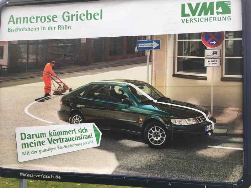 LVM Versicherung annonserar Saab 900 II