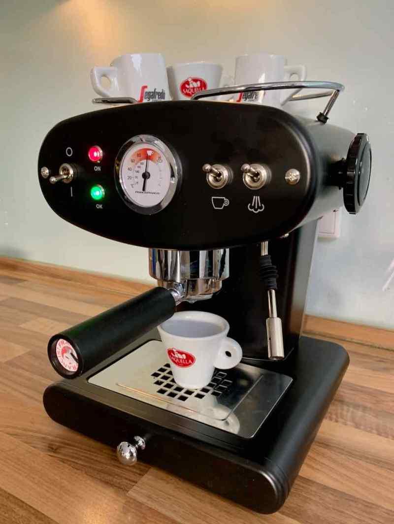 Der zweite Versuch - in Schwarz und mit traumhaftem Espresso