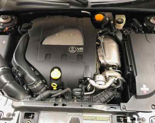 El V6 con turbocompresor secuencial es un placer