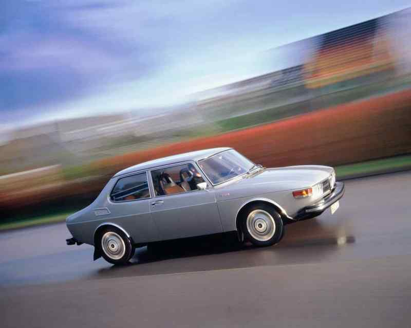 Saab 99 dibujado por Sixten Sason. Los elementos de diseño de entonces están regresando.