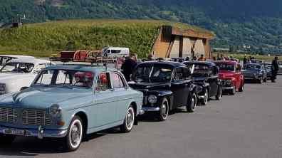 Zum schwedischen Nationalfeiertag trafen sich Saab und Volvo Fans
