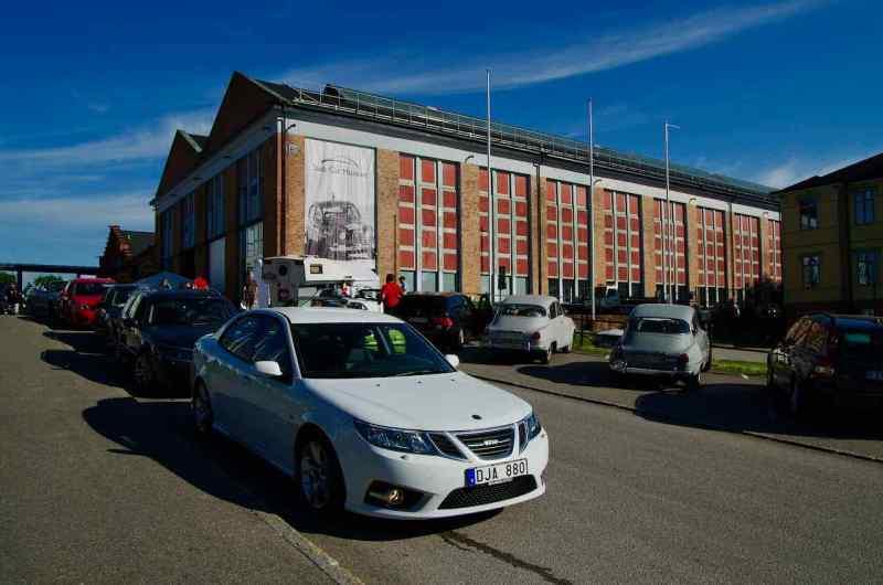 Saab Car Museum är hemma i en gammal lokfabrik