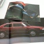Saab 900 ja 900i 1985. A4 42s. På Svenska, bra kondition, 12 €. Suomenkielinen, kynämerkintä kannessa, 6 €.