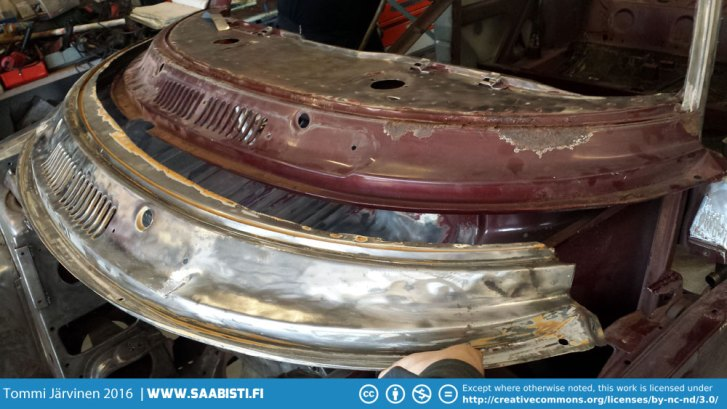 The bottom section of the windscreen frame was badly rusted and the easiest solution was just to replace it completely.