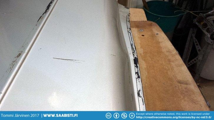Door skin with bad stretching.