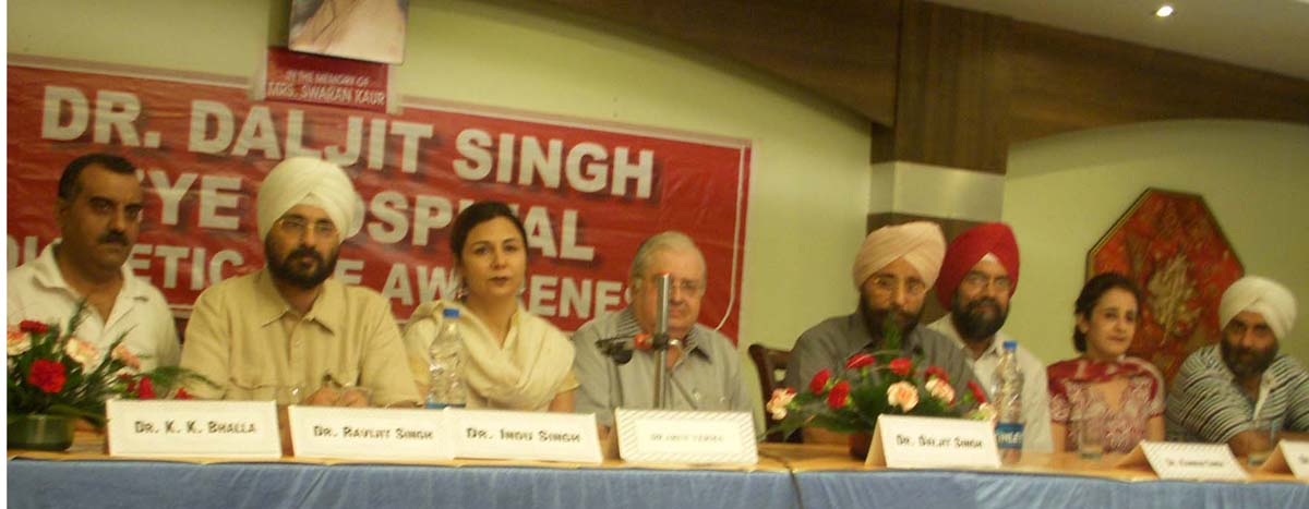 Seminar on 'Diabetic eye'-(2nd from Left) Dr Ravijit Singh-(3rd from Left)-Dr Indu Singh (5th from Left) Internationally Renowned Eye Specialist Dr Daljit Singh and other Eye Specialists of Amritsar
