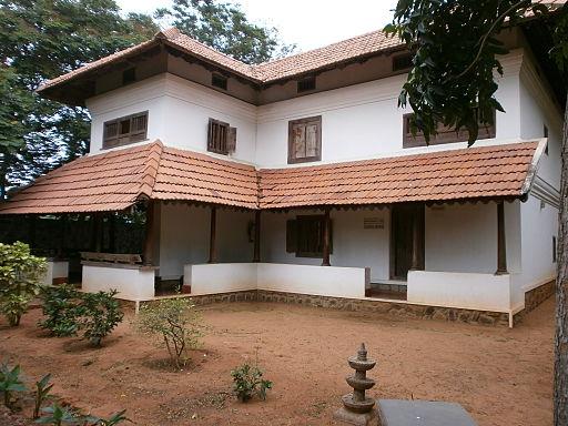 512px-dakshina-chitra-kerala-house