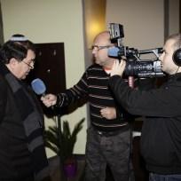 O. Löbl poskytuje rozhovor žatecké televizi OK
