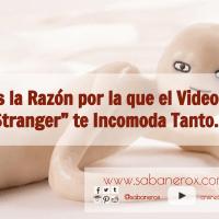 """Esta es la Razón por la que el Video de """"Hi Stranger"""" es tan Incomodo..."""