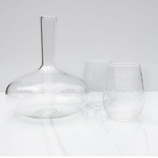 1 classic decanter + 2 clear textured wine glasses