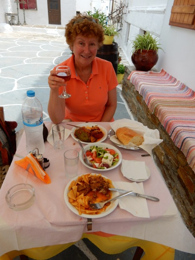 Lunch in the chora (Kythnos)