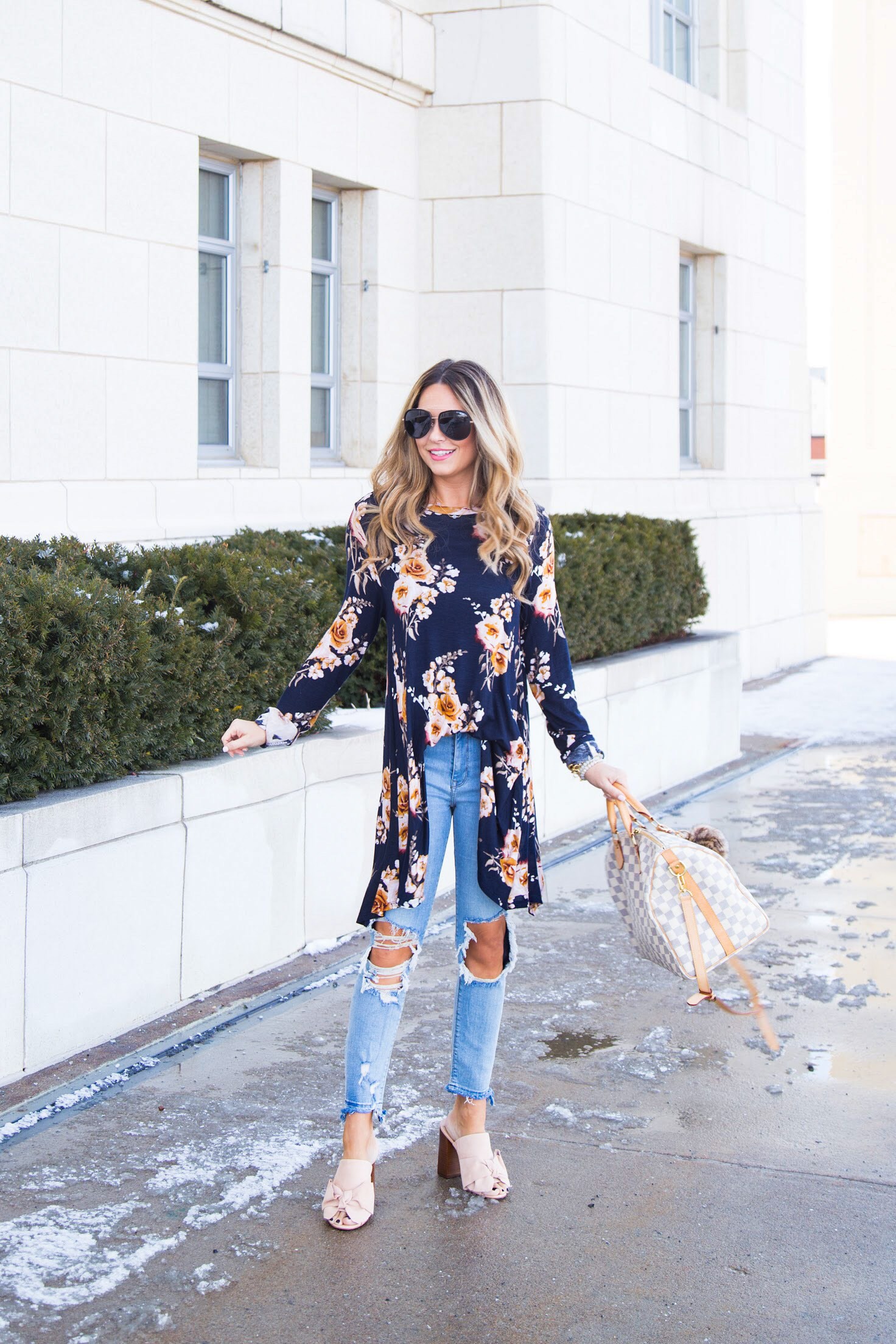 Navy Floral Tunic to Wear from Winter to Spring  Spring Fashion     Photography by Kye Image