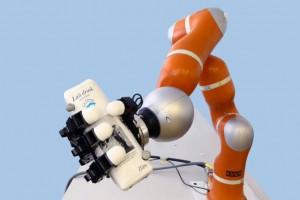 El robot programado por el equipo de Aude Billard. (Foto: © EPFL)