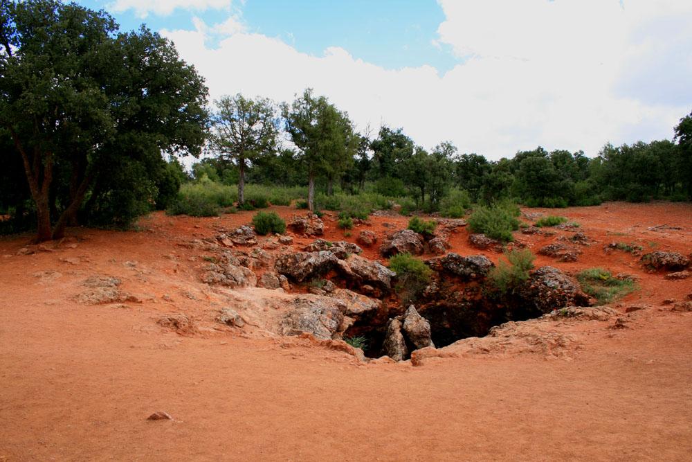 Entrada a la cueva de Montesinos. Autor, Victor Díaz