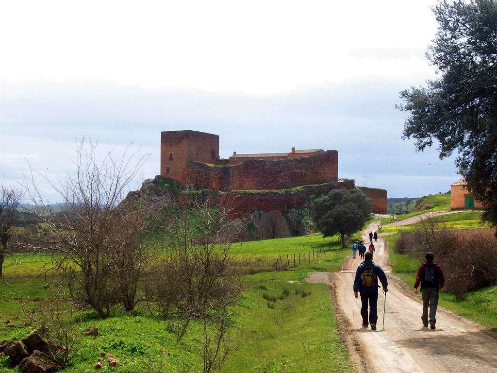 Entre Templarios y el Castillo de Montizón senderismo Campo de Montiel
