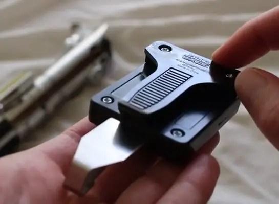 star-wars-disney-parks-exclusive-lightsaber-belt-clip-review-rear.jpg