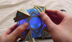 jedi-holocron-with-light-sound-review-from-star-wars-galaxys-edge
