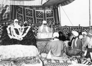 Sant Ji Maharaj doing Kirtan