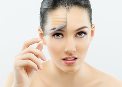 8 Best Natural Home Remedies to Treat Wrinkles and Skin Aging